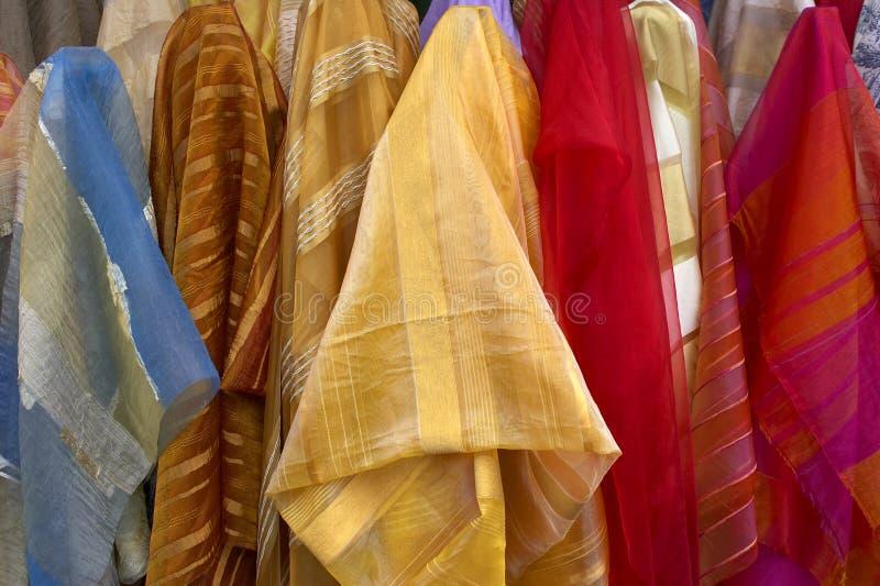 Download Tessuto da vendere fotografia stock. Immagine di rulli - 207940