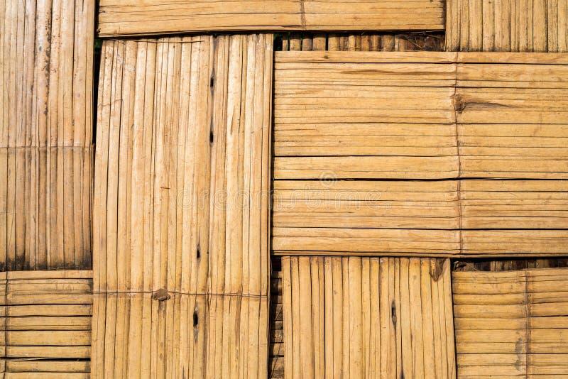 Tessuto di legno di bambù per una base con la superficie di zigzag fotografie stock libere da diritti