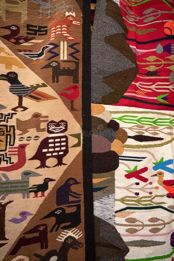 Tessuto fatto a mano dell'artigiano nell'Ecuador fotografia stock libera da diritti