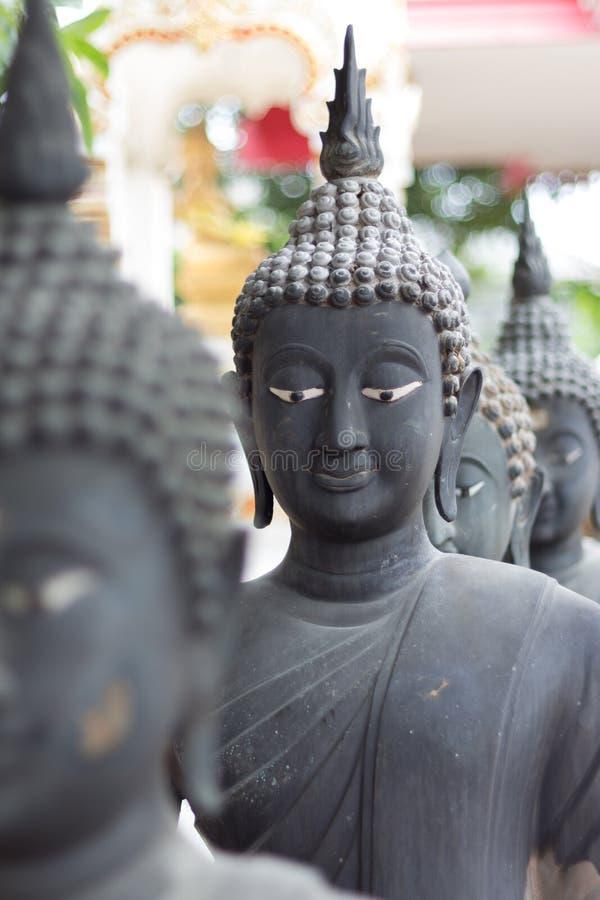 Testa della statua del Buddha immagine stock
