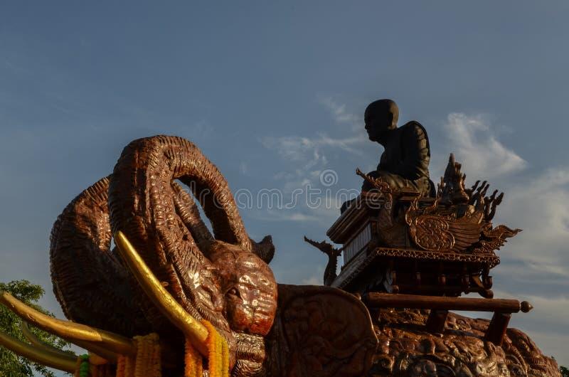 Testa della statua tre dell'elefante immagine stock