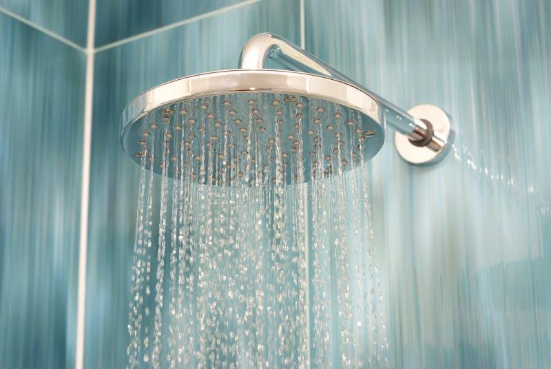 Testa di acquazzone immagine stock