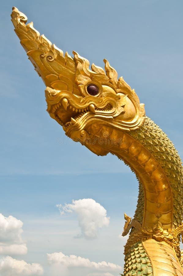Testa di grande statua del Naga fotografie stock