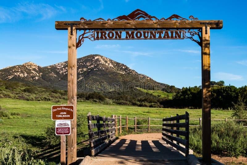 Testa di traccia di Iron Mountain in Poway, California immagine stock