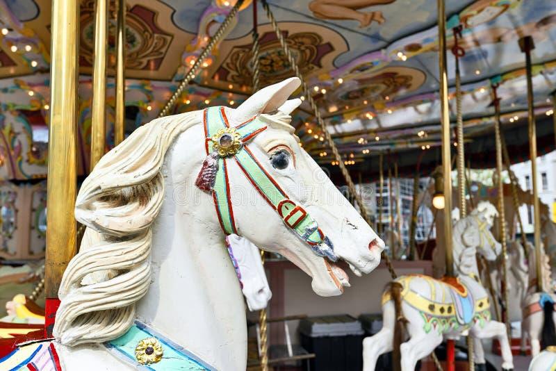 Testa di un cavallo classico del carosello immagine stock libera da diritti