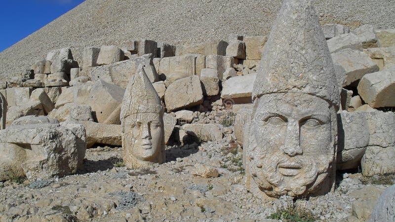 Teste di pietra sul monte Nemrut Dagi Turchia fotografia stock libera da diritti