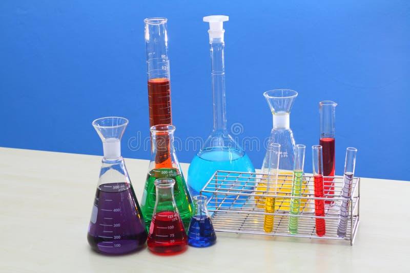 teste a indústria da química do laboratório da análise imagens de stock
