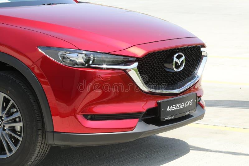 a Teste-movimentação da segunda geração restyled o cruzamento SUV de Mazda CX-5 fotos de stock royalty free