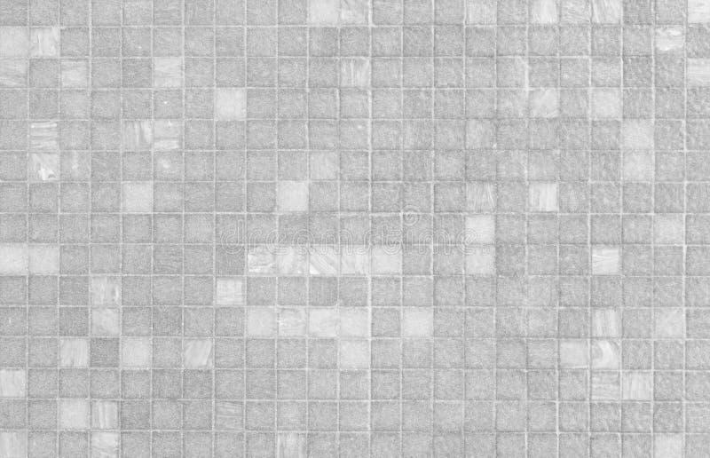 Teste padrão branco e cinzento da parede da telha de mosaico imagens de stock royalty free