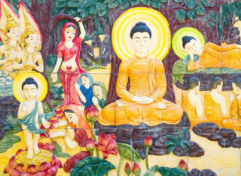 Teste padrão da Buda na parede no templo imagem de stock royalty free