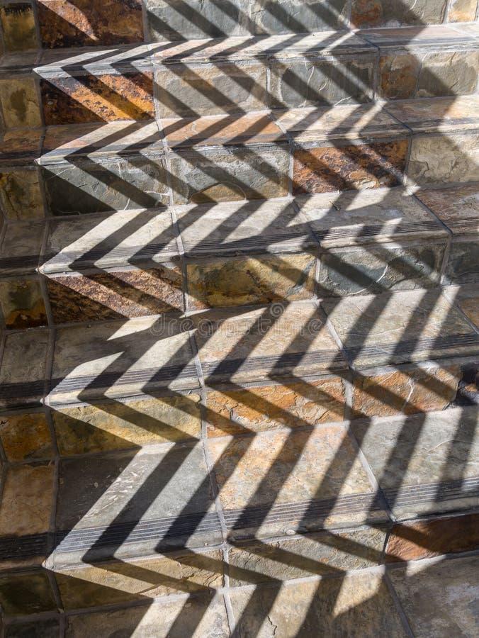 Teste padrão da escadaria e das sombras fotos de stock royalty free