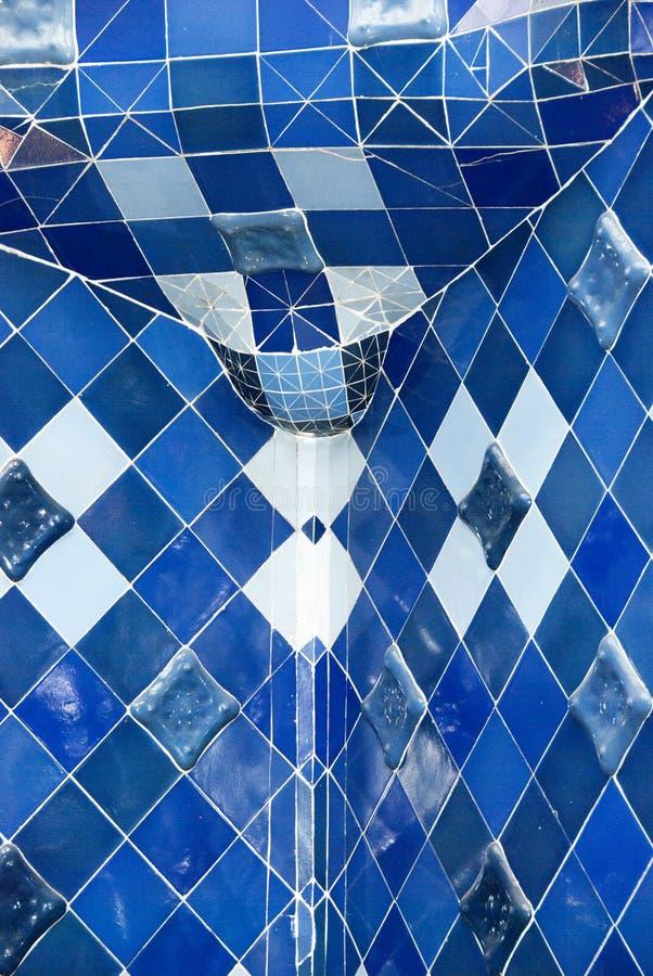 Teste padrão do mosaico no azul fotografia de stock