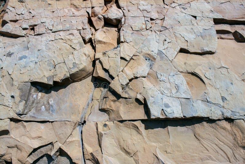 Teste padrão rochoso natural do Grunge de pedras do xisto de tamanhos diferentes foto de stock