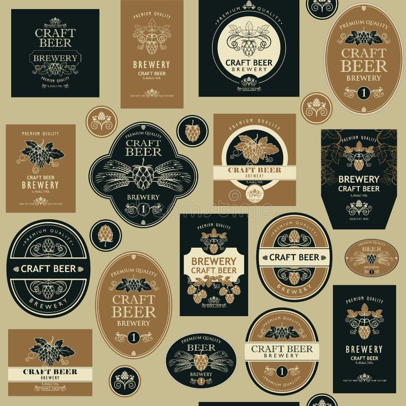 Teste padrão sem emenda com etiquetas da cerveja ilustração stock
