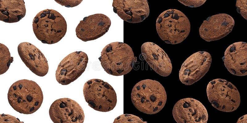 Teste padrão sem emenda das cookies da microplaqueta da farinha de aveia do chocolate, isolado no fundo branco e preto fotografia de stock royalty free