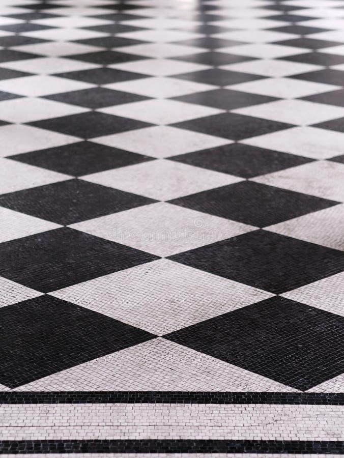 Teste padr?o de m?rmore checkered preto e branco do assoalho imagem de stock royalty free