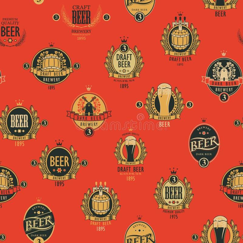 Teste padr?o sem emenda do vetor com v?rias etiquetas da cerveja ilustração royalty free