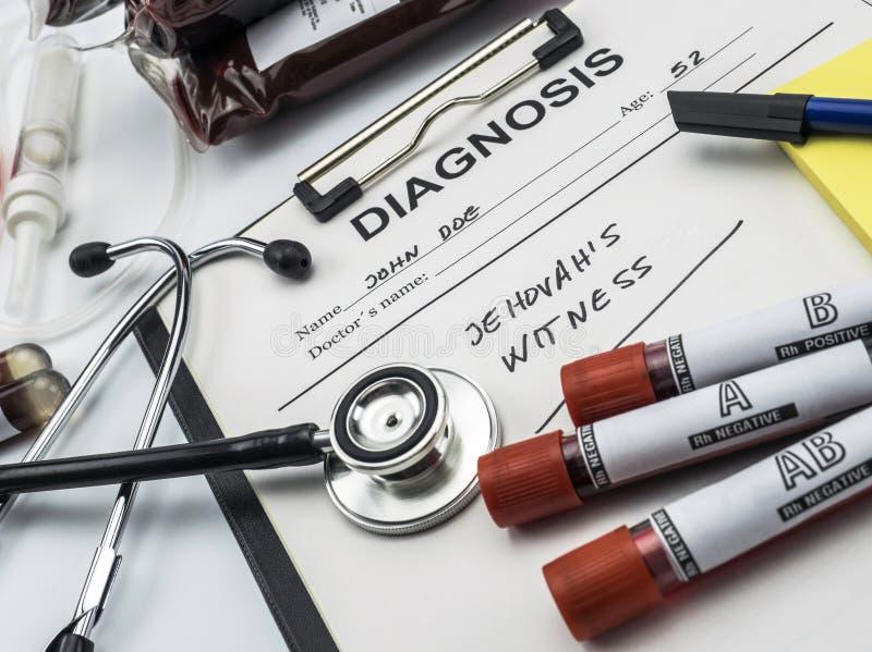 Testemunha do formulário do diagnóstico do jehova, conceito da recusa de transfusões de sangue, imagem conceptual imagem de stock