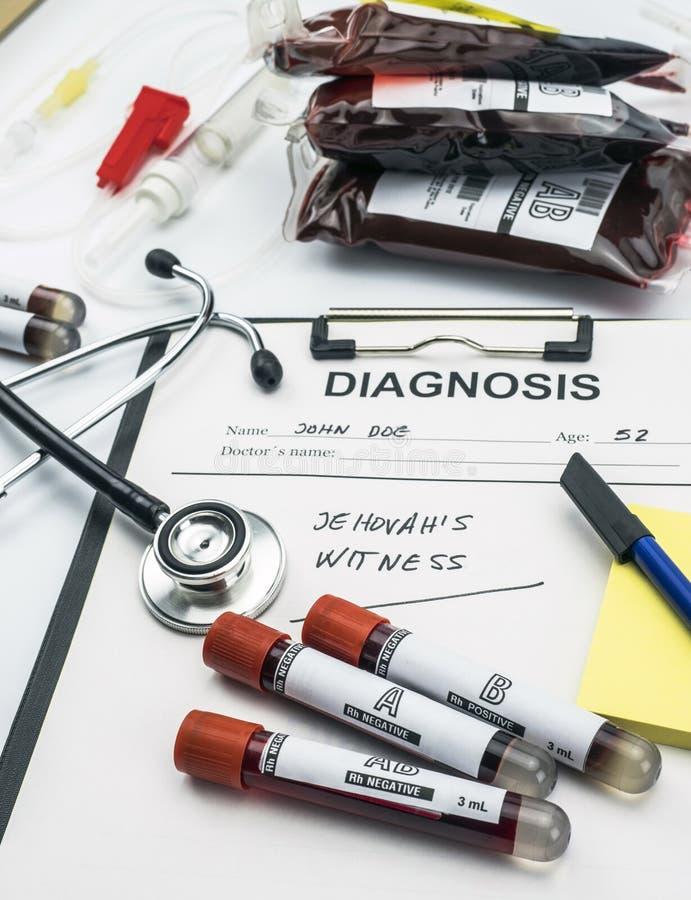 Testemunhas do formulário do diagnóstico do jehova, conceito da recusa de transfusões de sangue, imagem conceptual, fotos de stock royalty free