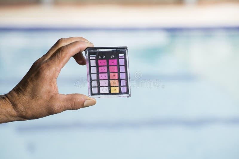 Testende de testuitrusting van het poolwater, Zwembadzorg stock fotografie