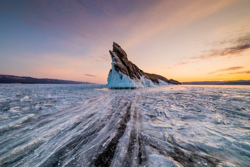 Testes padr?es do gelo no Lago Baikal Sib?ria, R?ssia fotos de stock