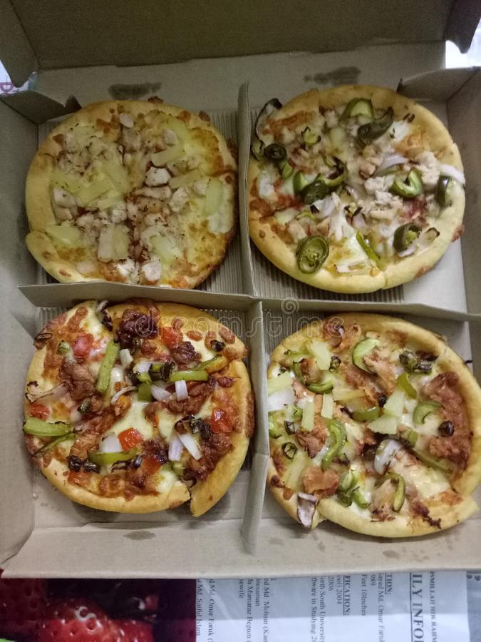 Testlebensmittel pizz Zeit so stockbild