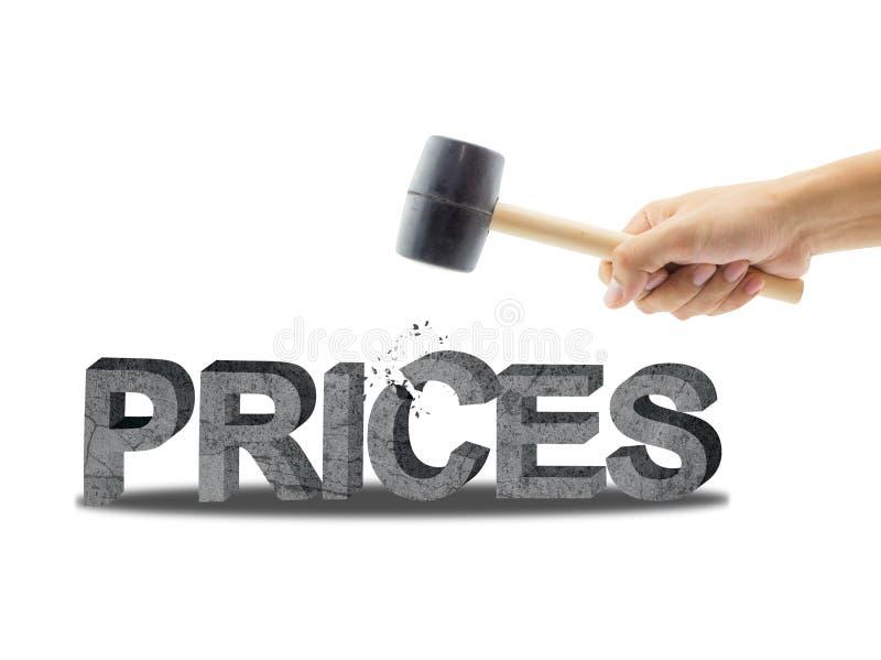 Testo di prezzi con il martello della tenuta della mano, tagliato finanza di statistiche con il martello fotografie stock