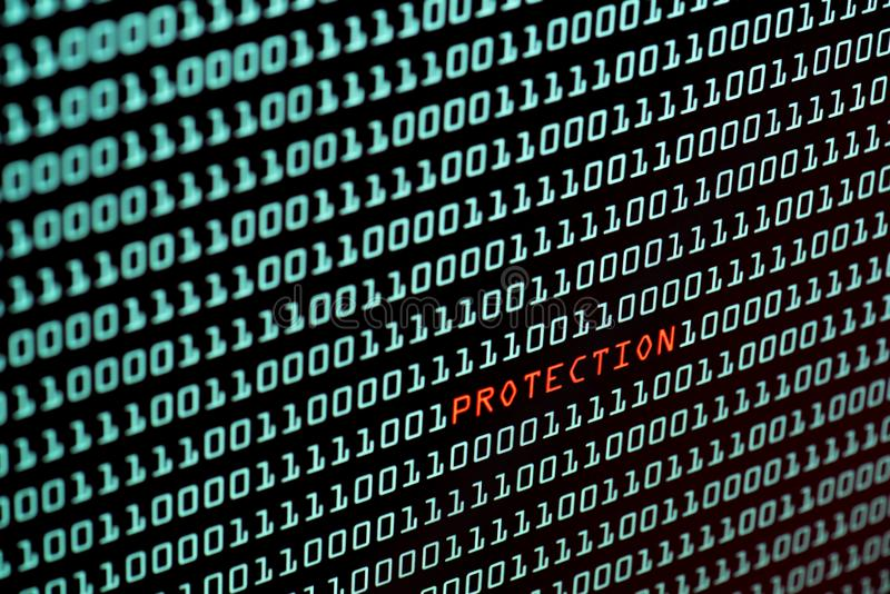 Testo di protezione e concetto di codice binario dallo schermo da tavolino, fotografia stock