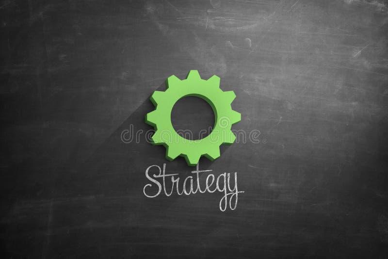 Testo di strategia con la ruota dentata verde sulla lavagna fotografie stock libere da diritti