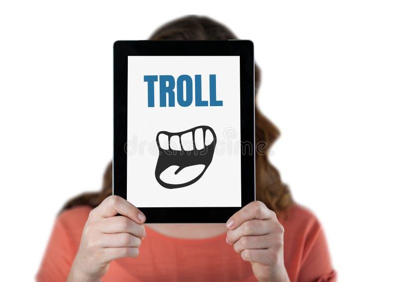 Testo di Troll con la bocca del fumetto sulla compressa sopra il fronte della donna illustrazione vettoriale