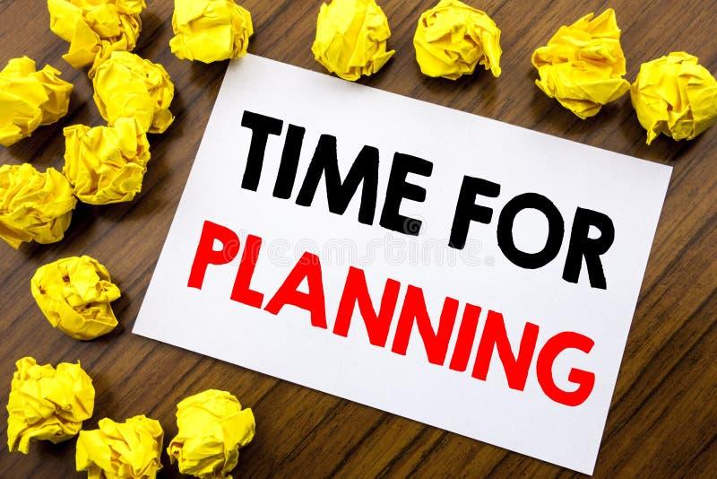 Testo scritto a mano che mostra tempo di parola per progettare La scrittura di concetto di affari organizza il piano del progetto immagine stock libera da diritti
