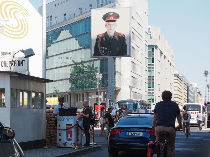 Testpunkt Charlie i Berlin arkivfoton