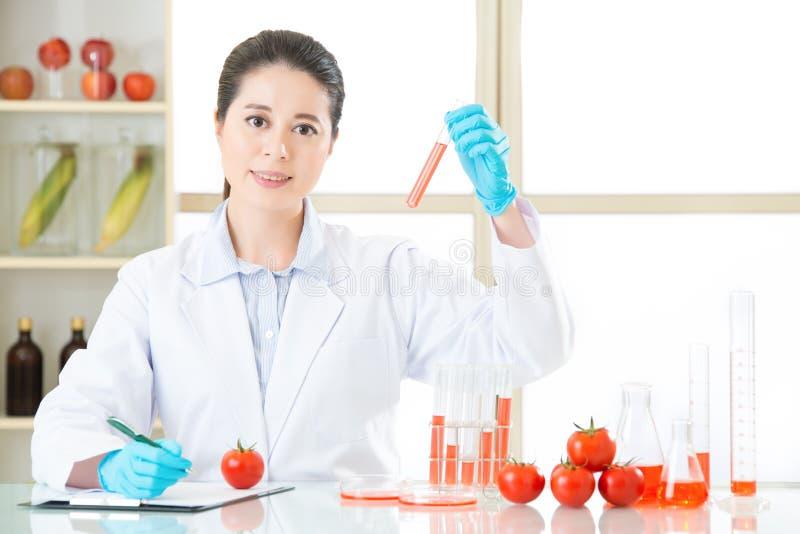 Testresultaat van de opname van het genetische modificatievoedsel stock foto's