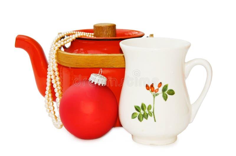 Tetera de la vendimia y decoración de la Navidad - camino imagen de archivo libre de regalías