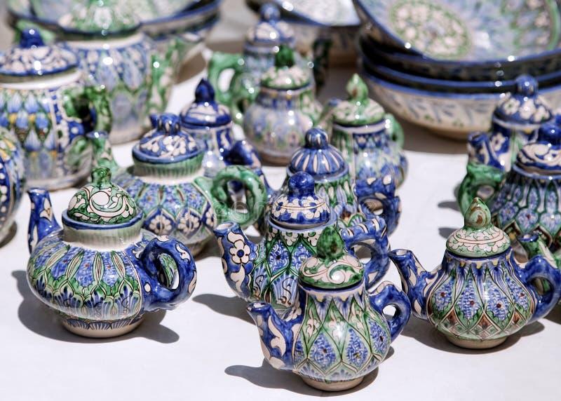 Teteras de cerámica, Uzbekistán fotos de archivo