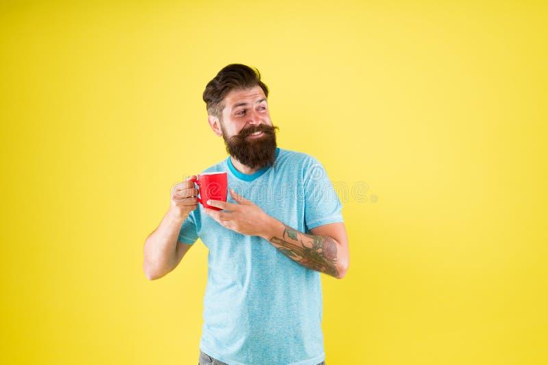 Tetid Cortado med rätt andel mjölk Kaffesevär Smak och estetik Energikoncept arkivbild