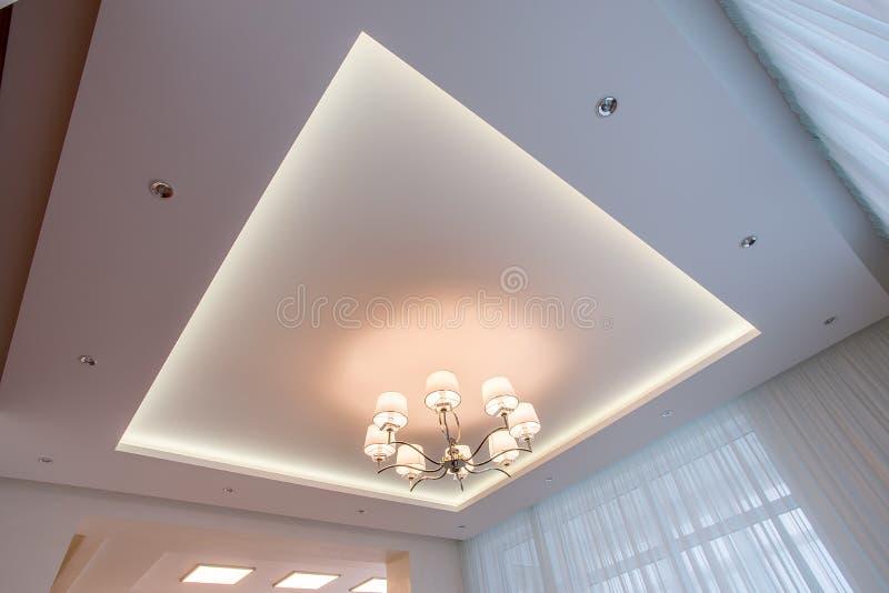 Teto branco iluminado com diodo emissor de luz foto de stock royalty free