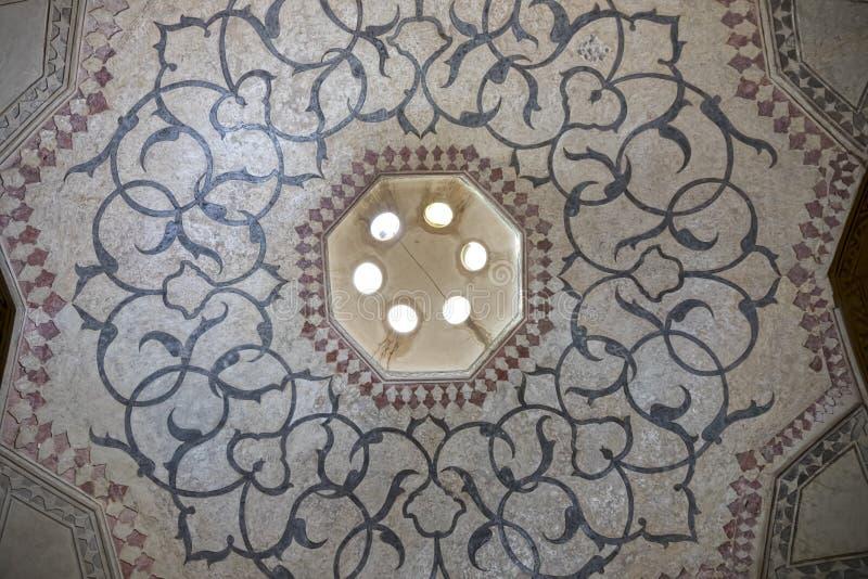 Teto grande da sala de Shiraz Citadel fotos de stock