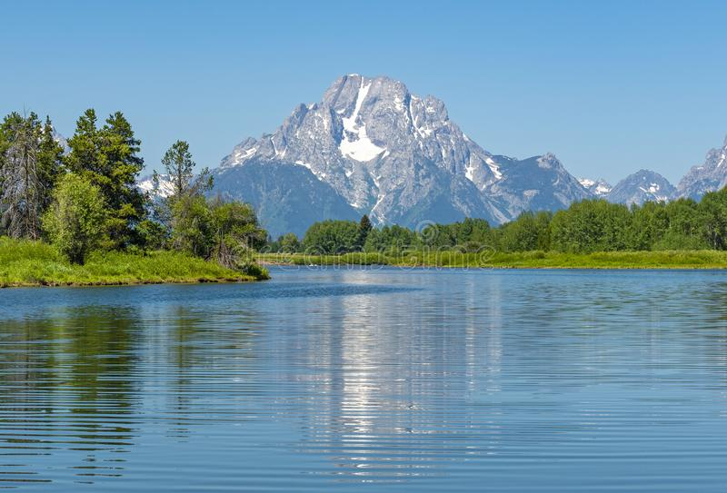 Teton grand fait une pointe la réflexion en rivière Snake photos libres de droits
