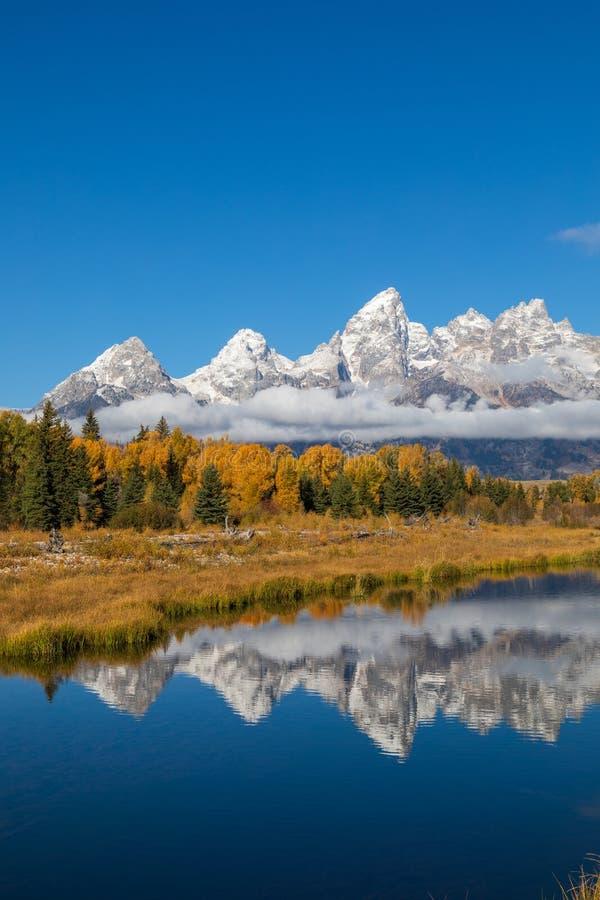 Teton sc?nique Autumn Reflection images libres de droits