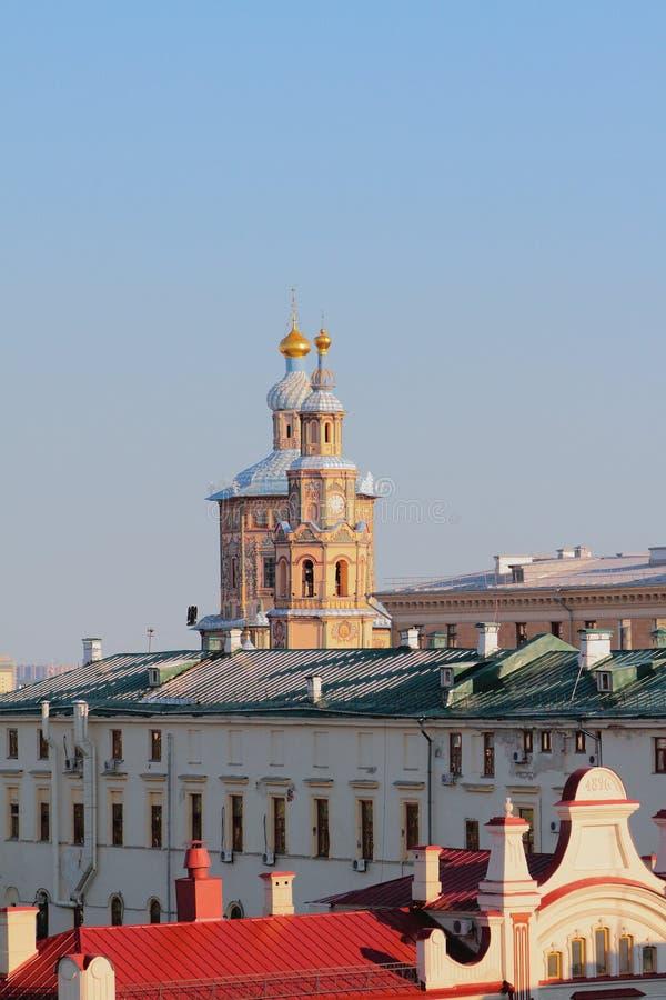 Tetti della città e Peter e Paul Cathedral Kazan, Russia immagini stock