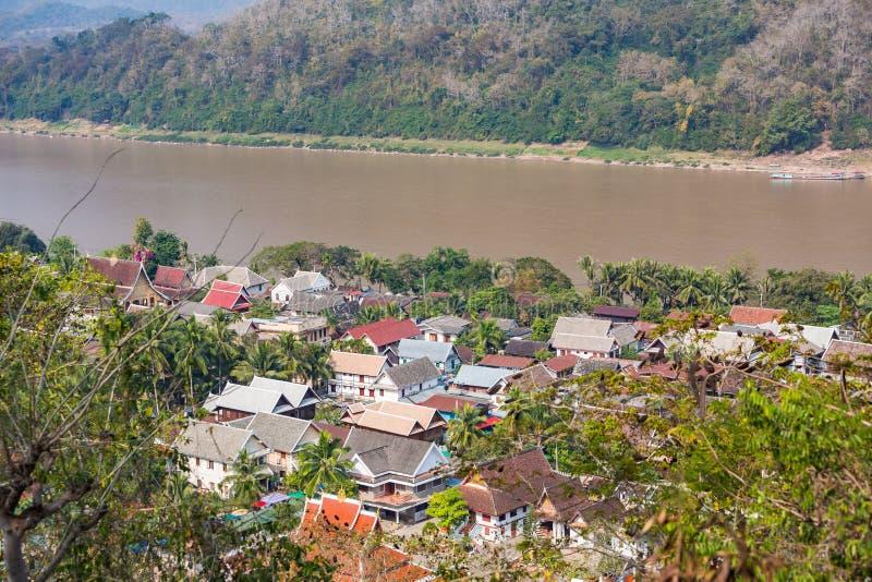Tetti di Luang Prabang fotografie stock