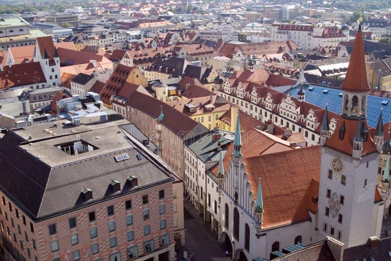 Tetti di mattonelle di Monaco di Baviera, Germania (1) immagini stock libere da diritti