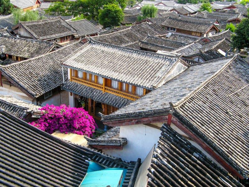 Tetti nel lijiang, yunan, Cina fotografia stock libera da diritti