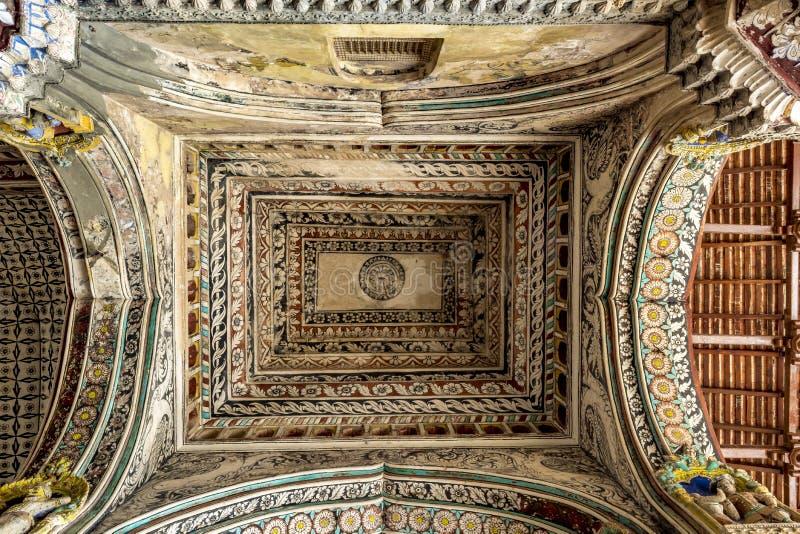 Tetto del corridoio durbar al palazzo di Maratha fotografie stock libere da diritti