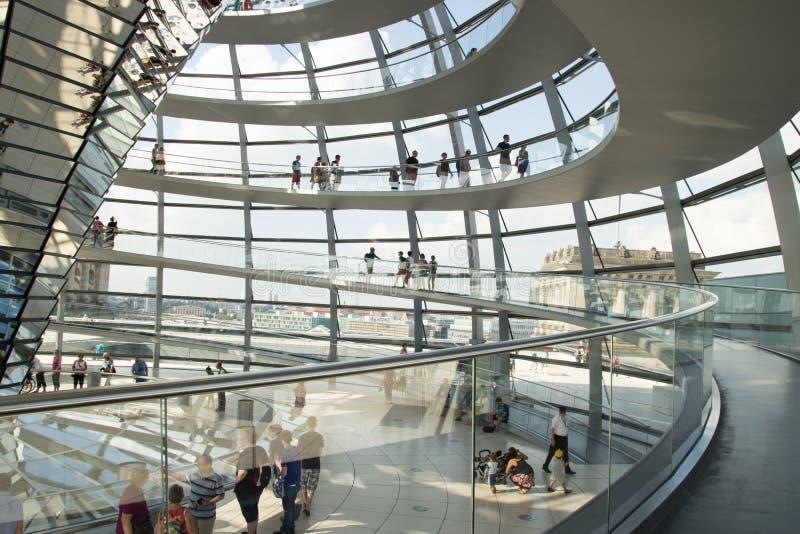 Tetto della cupola dell'edificio Berlin Germany di Reichstag fotografie stock libere da diritti