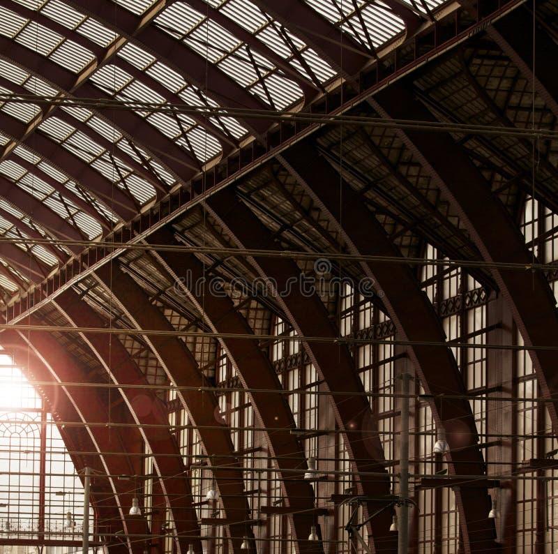 Tetto della stazione ferroviaria immagine stock