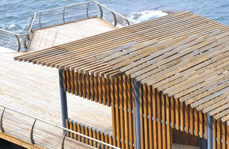 Tetto di legno del padiglione immagine stock immagine di for Inquadratura del tetto del padiglione