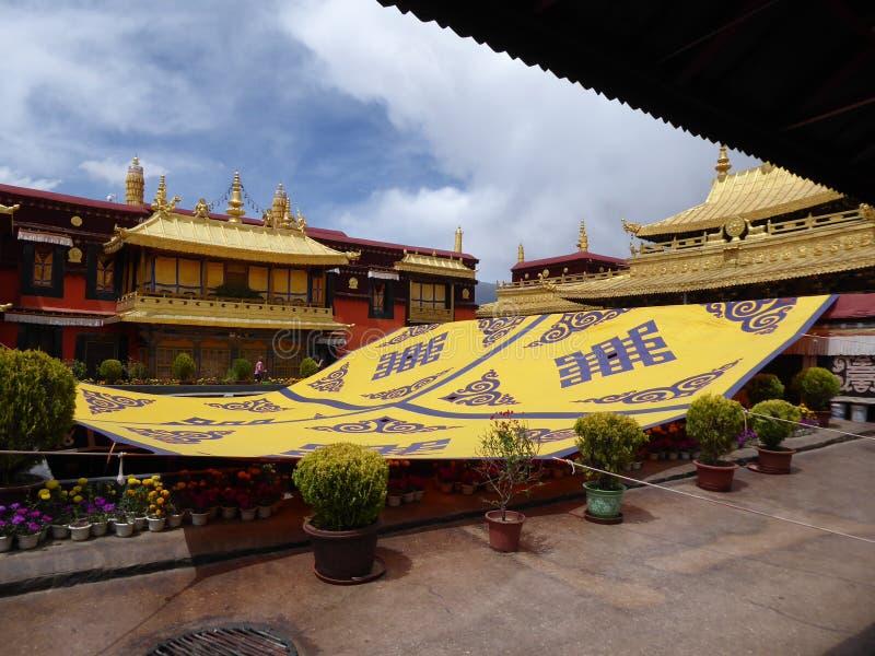 Tetto di Lhasa Tibet del tempio di Jokhang immagini stock
