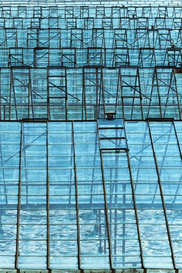 Tetto di vetro fotografia stock immagine di facile for Tetto in vetro prezzi